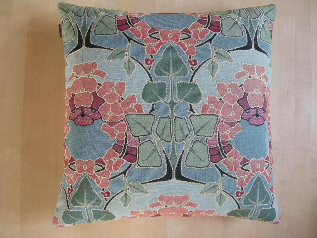 Kissenparadiesch Pillow 50x50 Retro Style With Flower